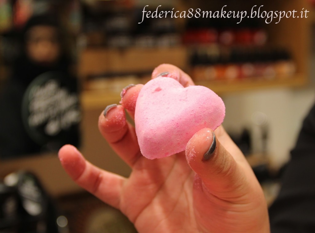 Review bomba da bagno love locket lush federica di leo